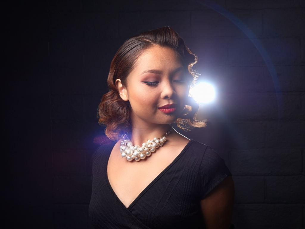 Winnie Glam Portrait Backlight